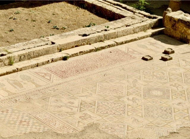 jerash-greek-mosaics-photo