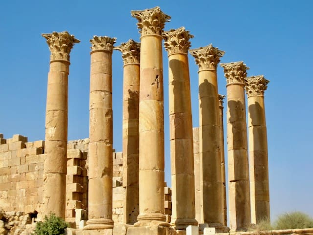 jerash-temple-of-artemis-photo