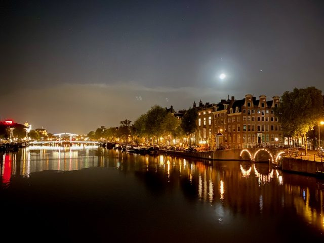 amstel-river-night-photo