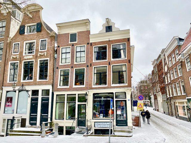 Nine Streets Amsterdam snow